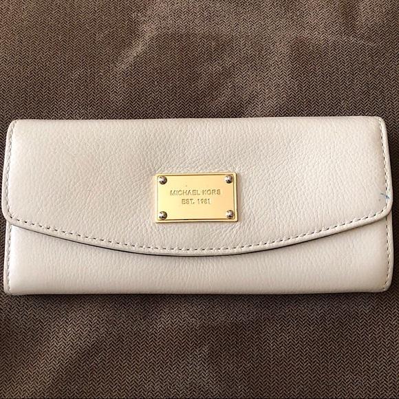 e70bfa5251e502 Michael Kors Bags   Jet Set Slim Flap Wallet   Poshmark